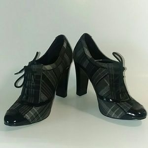 Steven Madden Plaid Lace-Up Block Heel Work or Fun